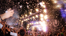 How to Use Social Media to Enhance Live Events